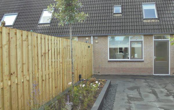 Aanleg voor- en achtertuin in Lienden