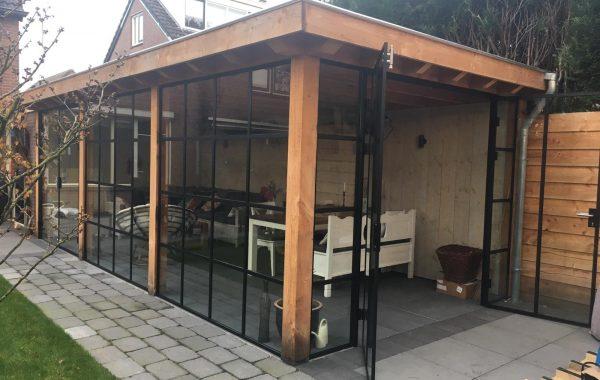 Aanleg achtertuin in Lienden met tuinkamer